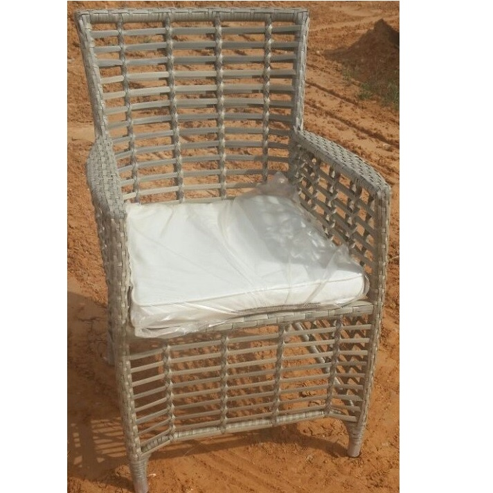 כיסא דגם קנילביי